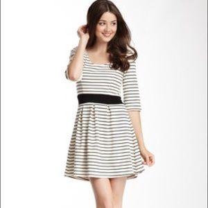 Lavand Dresses - NWT Lavand Stripe Open Back 3/4Sleeve Skater Dress